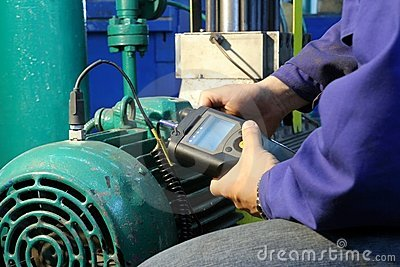 Measurement engine vibration