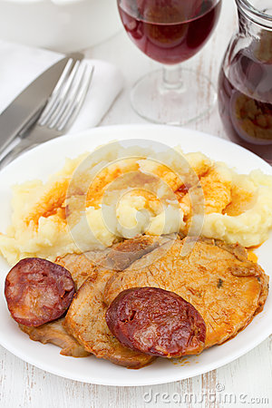 Meat with chorizo and potato
