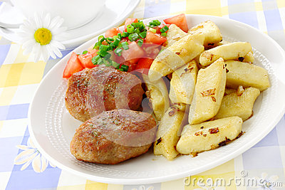 Meat cutlets with potato dumplings