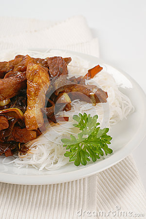 Free Meat, Mushrooms And Rice Noodles Royalty Free Stock Photography - 59918687
