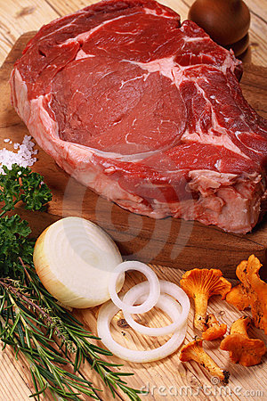 Free Meat, Raw Beef. Royalty Free Stock Photography - 3348457