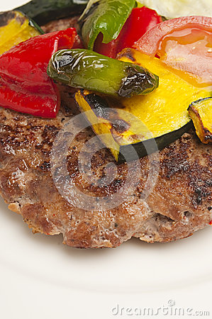 Meat rissole with vegetables