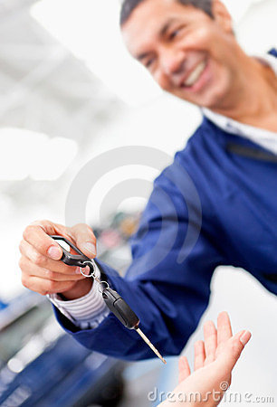 Mechanic handling car keys