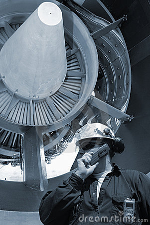 Mechanic and jet engines