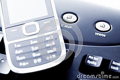 Mededeling - mobiele telefoon Internet en e-mail