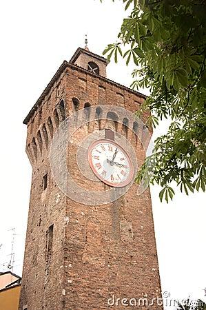 Medeltida torn för klocka