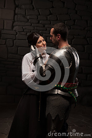 Free Medieval Knight And Lady Posing Royalty Free Stock Images - 42214299
