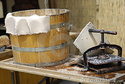 Medieval tradition of papermaking
