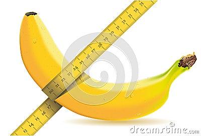 Medindo uma banana com medida de fita