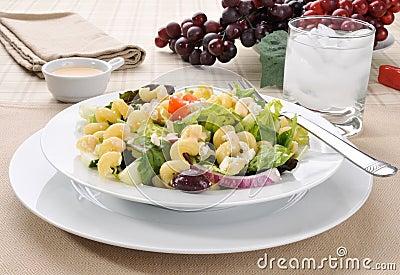 Mediterranean salad with pasta