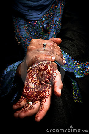 Mehendi, henna on bride s hand - Color 02
