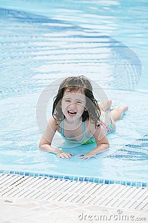 Meisje in de pool