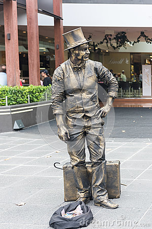 Free Melbourne Busker - Living Statue Entertaining Tourists In Melbourne, Australia Royalty Free Stock Image - 83254526