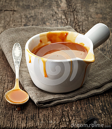 Free Melted Caramel Sauce Stock Images - 48008124