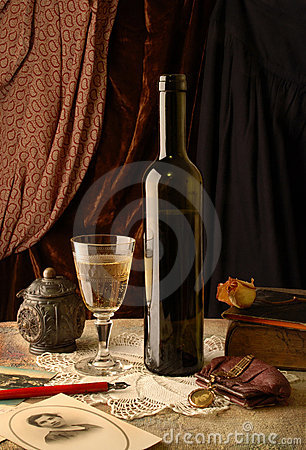 Free Memories And Wine Royalty Free Stock Image - 8864706