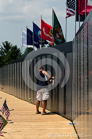 Memories at the vietnam traveling wall memorial Editorial Stock Image