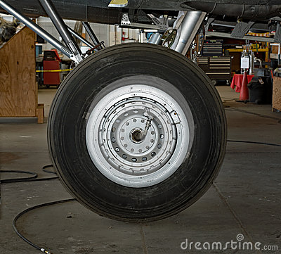 Free Memphis Belle Landing Wheel Royalty Free Stock Photography - 81273697
