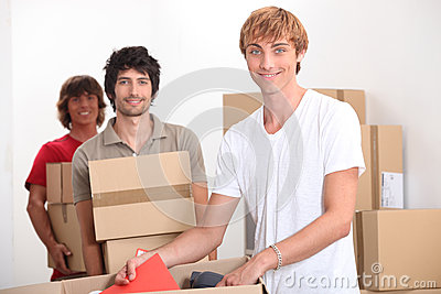Men moving home