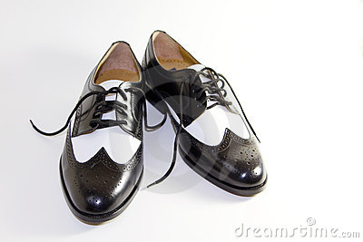 Men s Retro Black and White Leather Dress Shoes