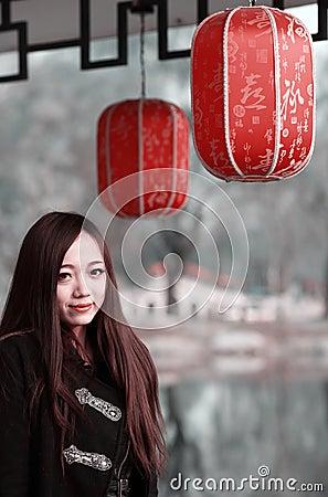 Menina asiática exterior