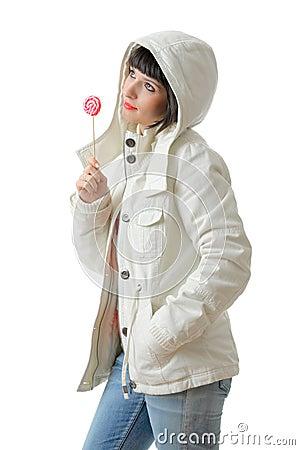 Menina bonita com um lollipop