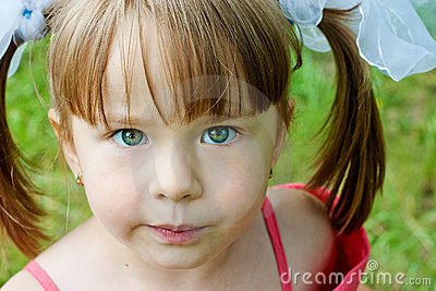 Menina curiosa
