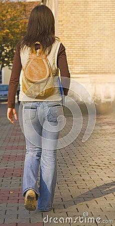 Menina de faculdade
