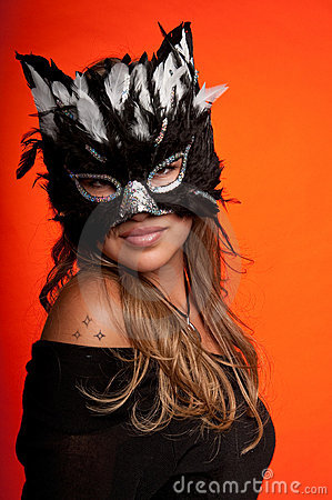 Menina na máscara