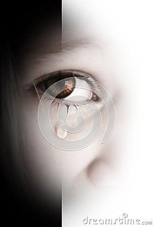 Menina triste pequena