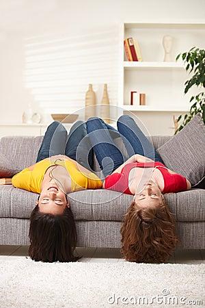 Meninas adolescentes upside-down