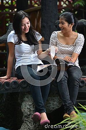 Meninas atividade e amizade