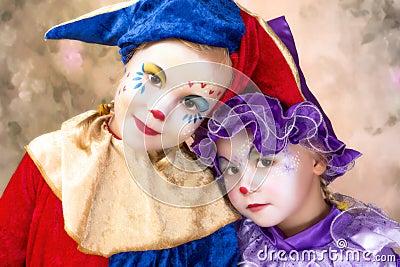 Meninas bonitos do palhaço