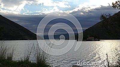 Mening over de baai van de Adriatische Zee stock video