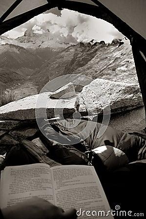Mening van een tent in bergen