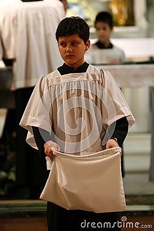 Menino de altar católico
