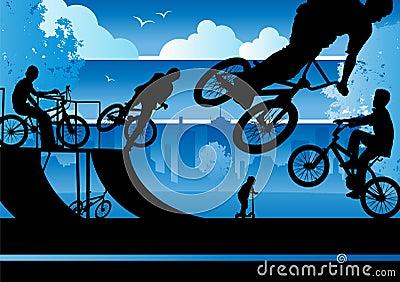 Meninos de BMX em um parque da cidade