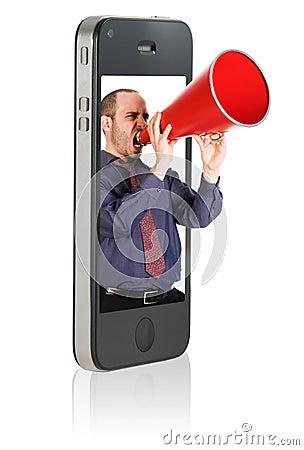 Mens die in megafoon schreeuwt