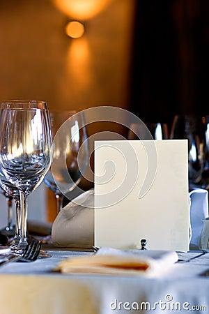 Menu em branco na tabela do restaurante