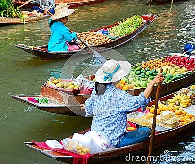 Mercado de la fruta famosa Imagen de archivo editorial