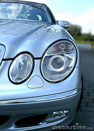 Free Mercedes Car Front Lights Royalty Free Stock Images - 3374579