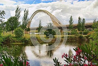 Merida new bridge