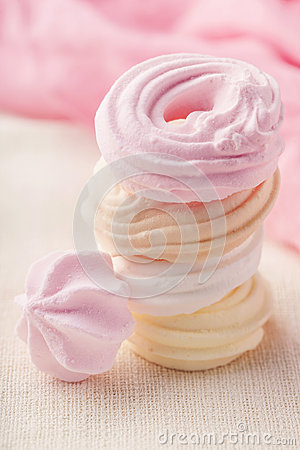 Meringue Photographie stock libre de droits - Image: 28109447