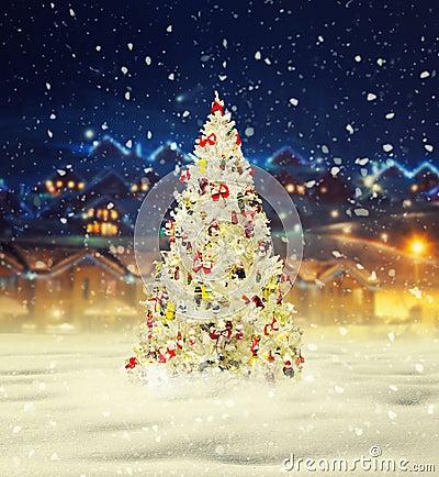 Free Merry Christmas, Snowy Xmas Tree With Decoration Stock Photo - 102585890