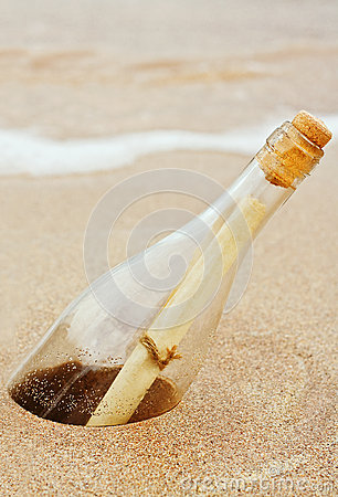 Free Message In A Bottle Royalty Free Stock Photo - 27218885