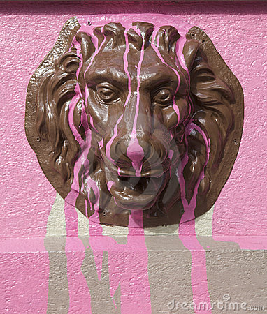 Metal lion figure with pink colour