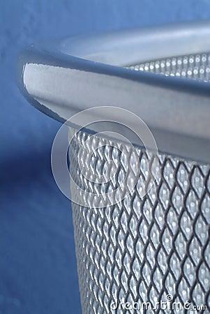 Metal mesh waste bin