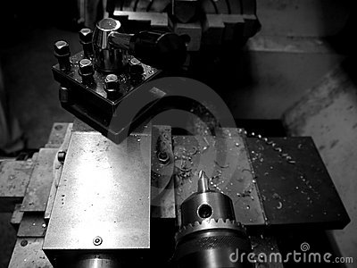 Metal workshop: lathe detail - h