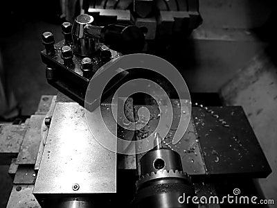 Metal workshop: lathe detail - h
