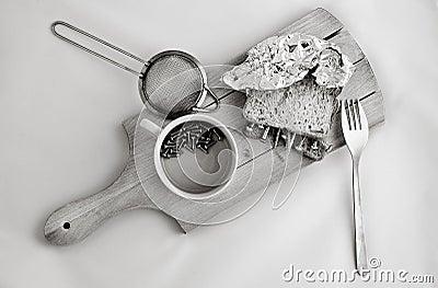 Metallic dish breakfast