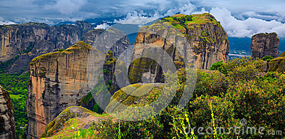 Изумительный ландшафт на Meteora